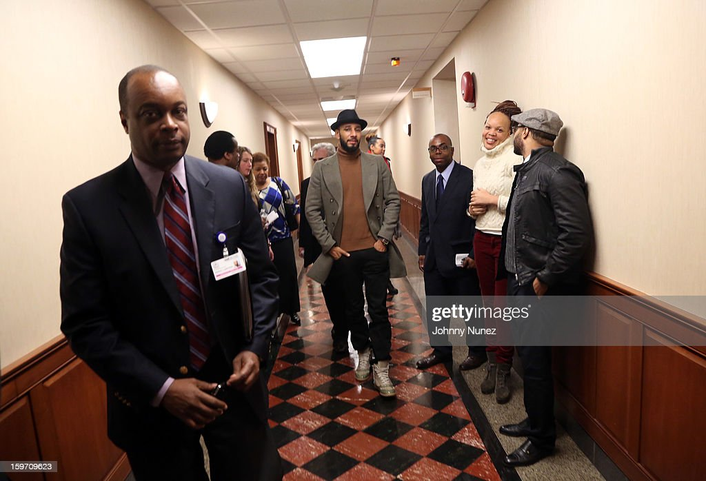 Global Ambassador Kasseem 'Swizz Beatz' Dean (c) visits Kings County Hospital on January 18, 2013 in the Brooklyn borough of New York City.