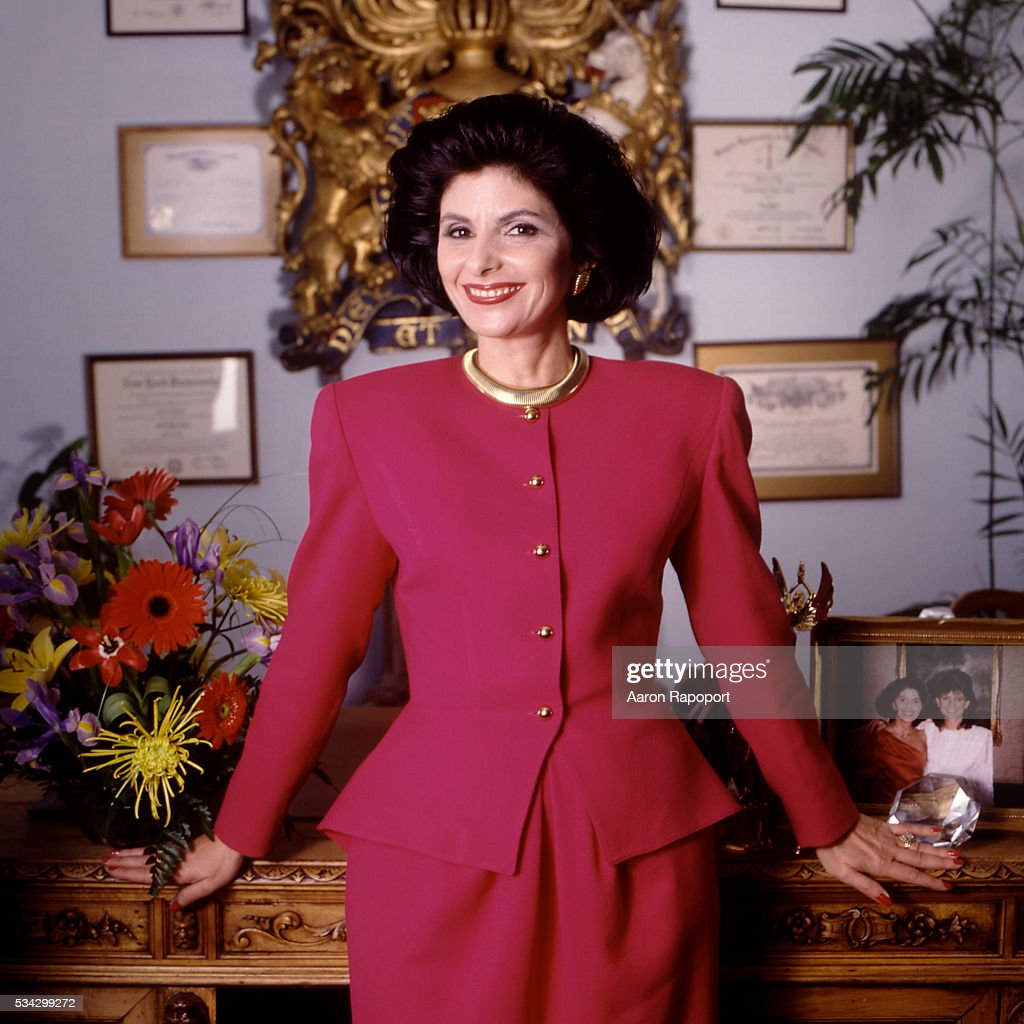 <a gi-track='captionPersonalityLinkClicked' href=/galleries/search?phrase=Gloria+Allred&family=editorial&specificpeople=213999 ng-click='$event.stopPropagation()'>Gloria Allred</a>