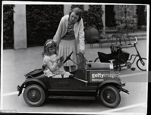 Gloria Lloyd 6yearold daughter of Harold Lloyd film comedian goes to school every day without knowing it She is learning music art writing...