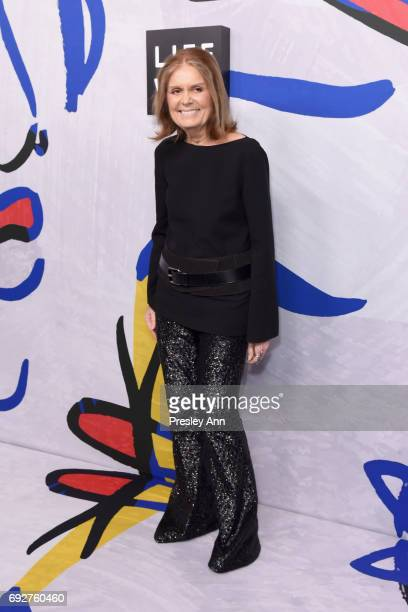 Gloria Steinem poses on the Winners Walk during 2017 CFDA Fashion Awards at Hammerstein Ballroom on June 5 2017 in New York City