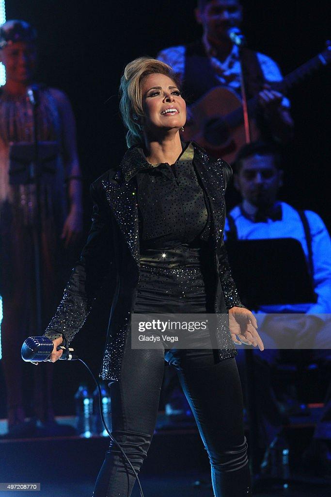 Gloria Trevi In Concert