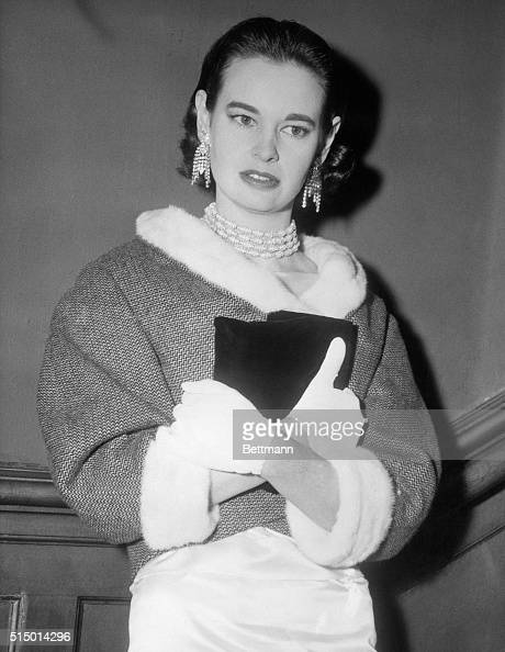 Gloria Vanderbilt Young Stock Photos And Pictures Getty