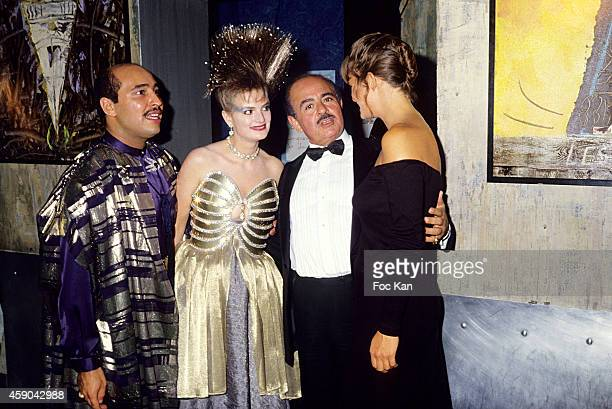 Gloria Von Thurn und Taxis Adnan Khashoggi and guests attend a Dinner for Gloria Von Thurn und Taxis at Les Bains Douches in the 1980s in Paris France