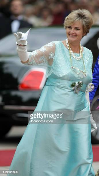 Gloria von Thurn und Taxis arrives for the Bayreuth festival 2011 premiere on July 25 2011 in Bayreuth Germany