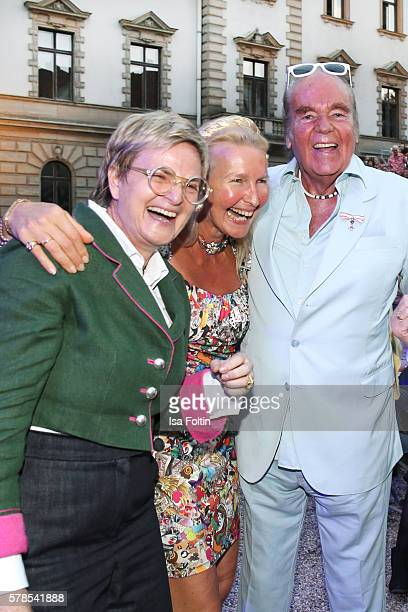 Gloria von Thurn und Taxis HansHermann Weyer and his wife Christina Weyer attend the Tom Jones Concert during the Thurn Taxis Castle Festival 2016 on...