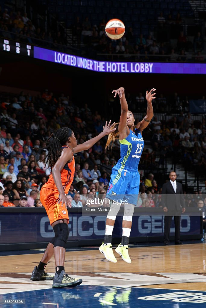 Glory Johnson #25 of the Dallas Wings shoots the ball against the Connecticut Sun on August 12, 2017 at Mohegan Sun Arena in Uncasville, CT.
