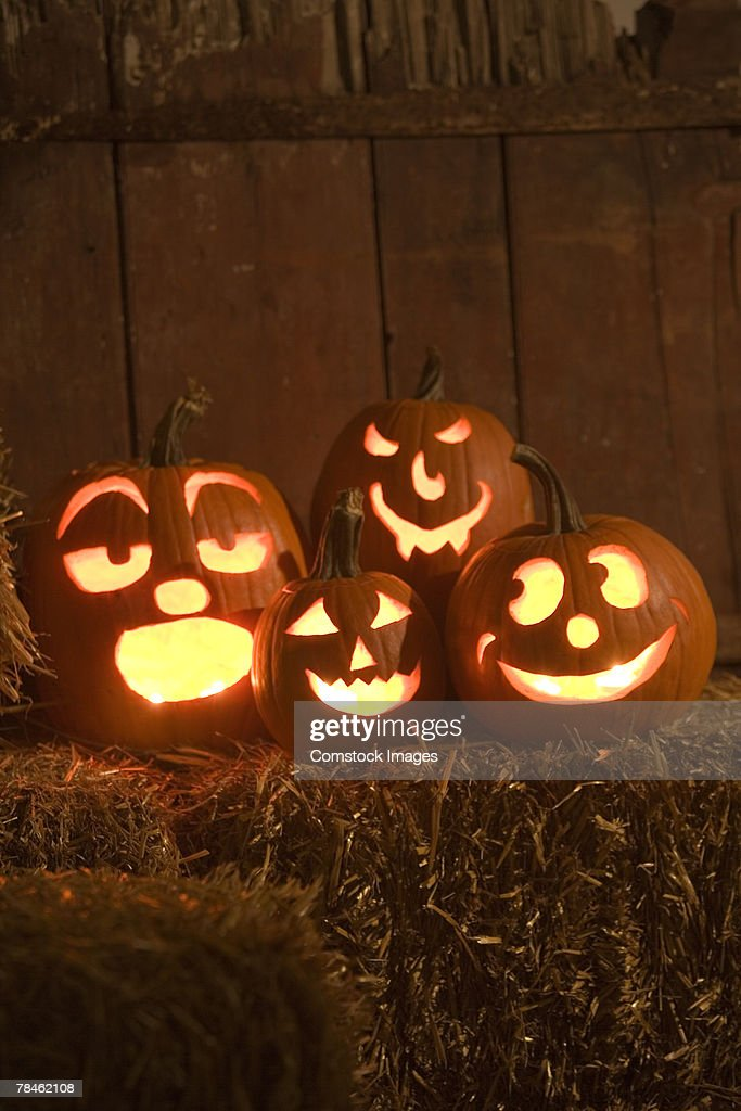 Glowing jack-o'-lanterns