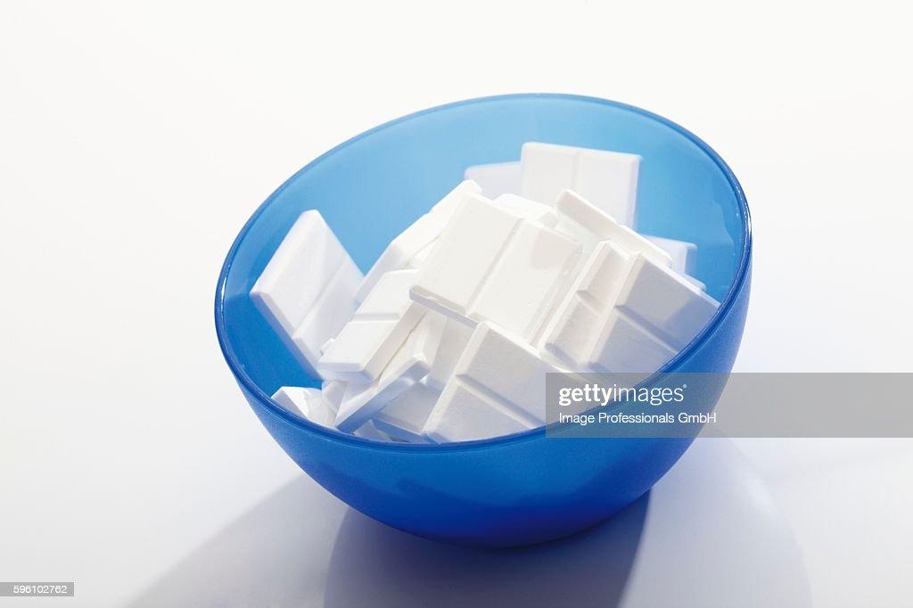 Glucose in blue bowl