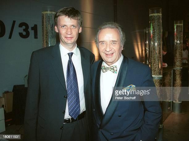 Günther Jauch Günter Wewel Gala 'Deutscher Fernsehpreis 2002' Köln 5102002 'Coloneum' PNR896/2002 GT Foyer Party