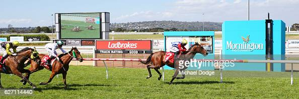 Go And Get Rich ridden by Ibrahim Gundogdu wins United Commercial Projects BM58 Handicap at Mornington Racecourse on December 02 2016 in Mornington...
