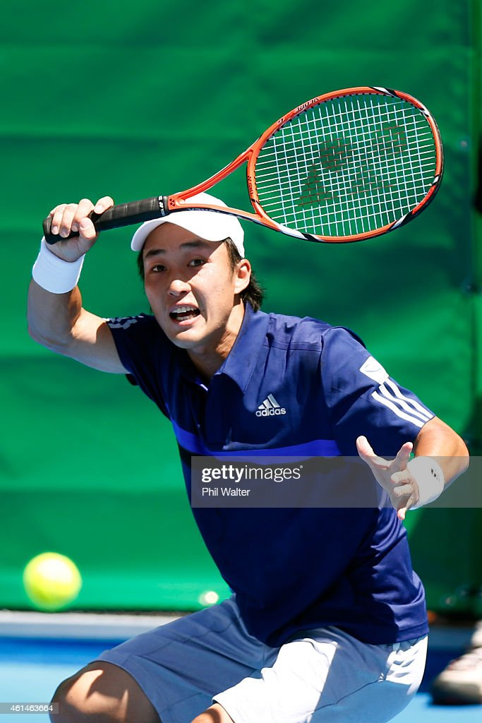 <a gi-track='captionPersonalityLinkClicked' href=/galleries/search?phrase=Go+Soeda&family=editorial&specificpeople=699644 ng-click='$event.stopPropagation()'>Go Soeda</a> of Japan plays a forehand in his game against Donald Young of the USA during day two of the 2015 Heineken Open Classic at Auckland Tennis Centre on January 13, 2015 in Auckland, New Zealand.