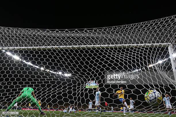 Goal by Paulinho of Brazil during a match between Brazil and Argentina as part of 2018 FIFA World Cup Russia Qualifier at Mineirao stadium on...