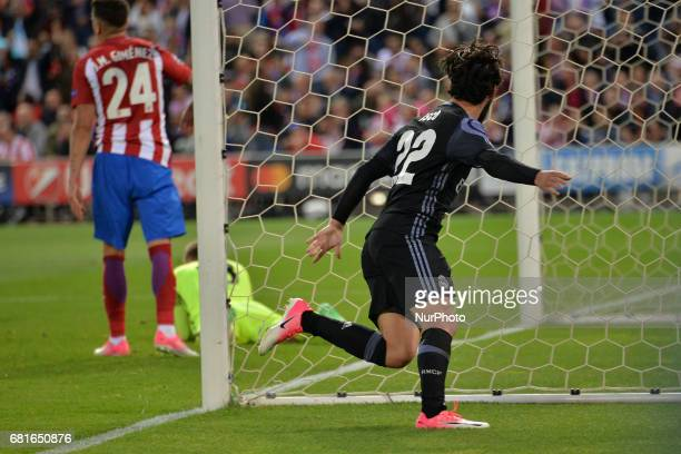 Goal Isco during the match between Real Madrid CF vs Atletico de Madrid as part of EUFA Champions League at Estadio Santiago Bernabeu on May 10 2017...