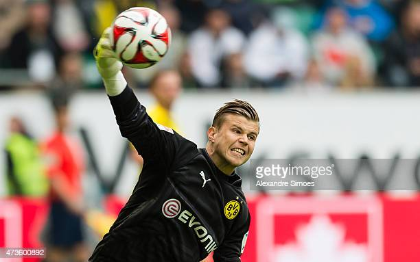 Goal keeper Mitchell Langerak of Borussia Dortmund in action during to the Bundesliga match between VfL Wolfsburg and Borussia Dortmund at Volkswagen...