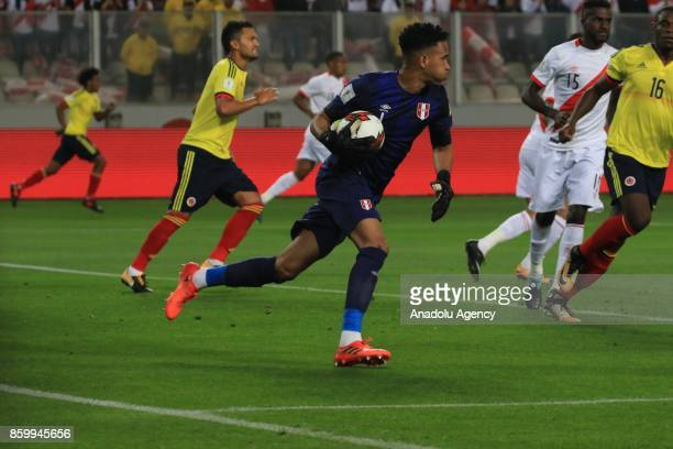 Goal keeper Pedro Gallese of Peru in action during the 2018 FIFA World Cup Qualification match between Peru and Colombia at National Stadium in Lima...