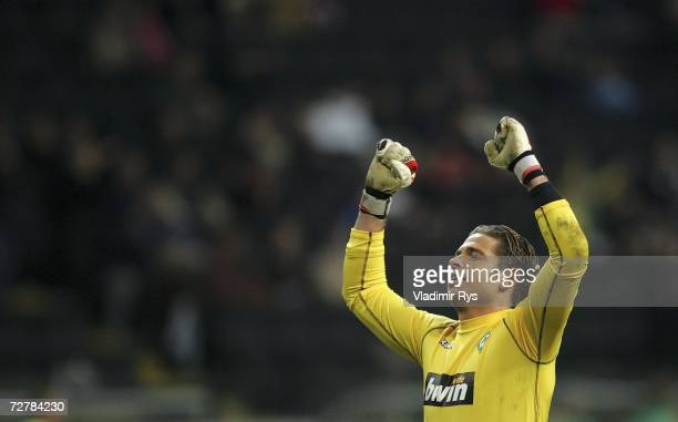 Goal keeper Tim Wiese of Bremen celebrates the third goal of his team mate Naldo during the Bundesliga match between Eintracht Frankfurt and Werder...