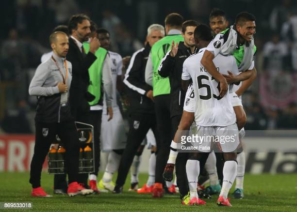 Goal scorer Vitoria Guimaraes forward Paolo Hurtado from Peru celebrates with teammates the victory at the end of the UEFA Europa League match...