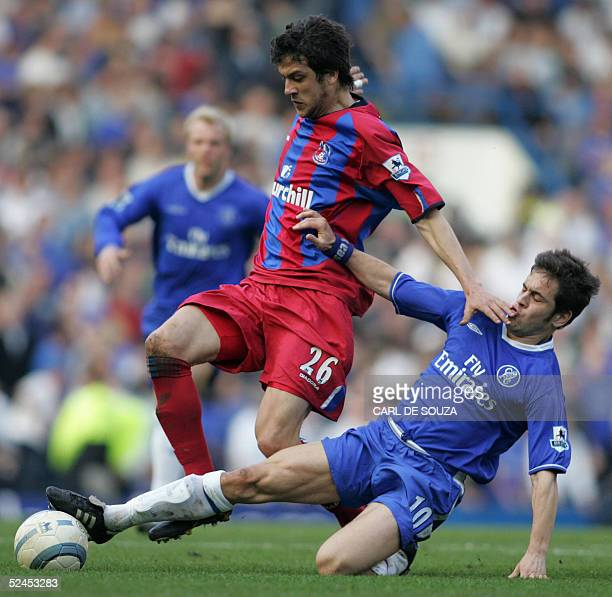 Goal scorers Crystal palace's Gonzalo Sorondo and Chelsea's Joe Cole battle for the ball during their Premiership match 19 March 2005 at Chelsea's...