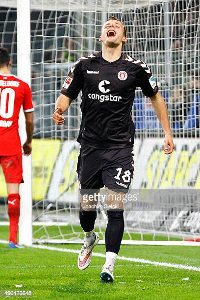 Goalgetter Lennart Thy of St Pauli celebrates the 40 for St Pauli during the Second Bundesliga match between FC St Pauli and Fortuna Duesseldorf at...