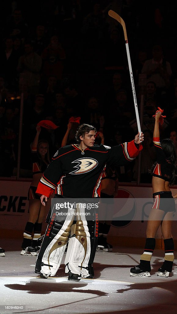 Goalie Jonas Hiller #1 of the Anaheim Ducks acknowledges the fans after the game against the Minnesota Wild on March 1, 2013 at Honda Center in Anaheim, California.