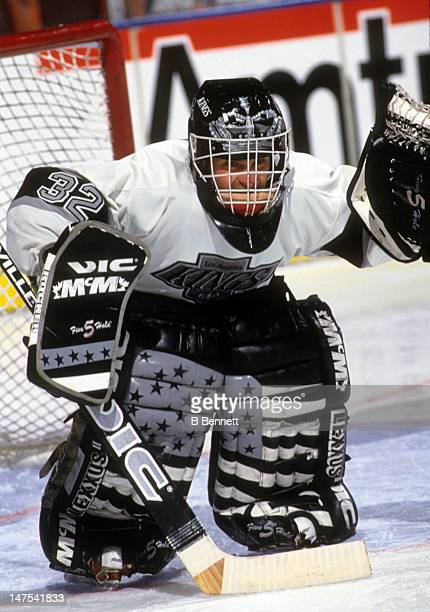 Goalie Kelly Hrudey of the Los Angeles Kings defends the net during an NHL game circa 1993 at the Great Western Forum in Inglewood California