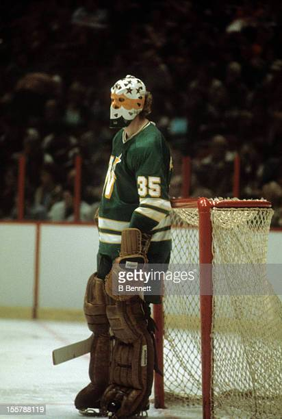 Goalie Paul Harrison of the Minnesota North Stars looks on during an NHL game against the Philadelphia Flyers circa 1976 at the Spectrum in...