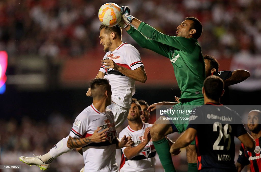 Sao Paulo v San Lorenzo - Copa Bridgestone Libertadores 2015