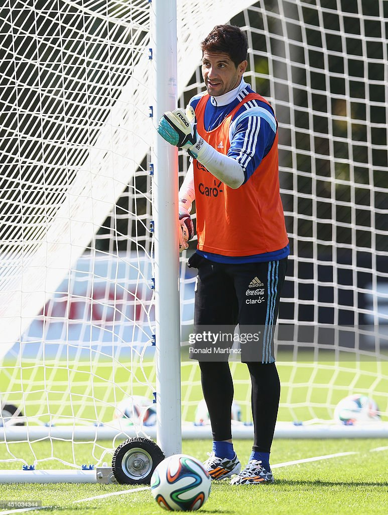 Goalkeeper <a gi-track='captionPersonalityLinkClicked' href=/galleries/search?phrase=Agustin+Orion&family=editorial&specificpeople=2498311 ng-click='$event.stopPropagation()'>Agustin Orion</a> of Argentina during a training session at Cidade do Galo on June 22, 2014 in Vespasiano, Brazil.