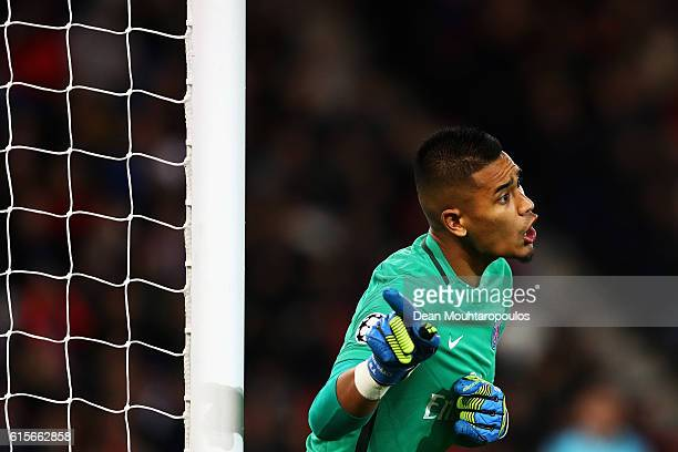 Goalkeeper Alphonse Areola of PSG gives team mates instructions during the Group A UEFA Champions League match between Paris SaintGermain Football...