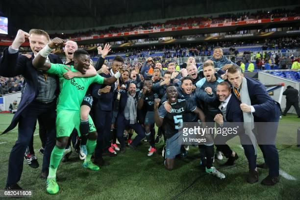 goalkeeper Andre Onana of Ajax coach Peter Bosz of Ajax Amin Younes of Ajax Donny van de Beek of Ajaxduring the UEFA Europa League semi final match...