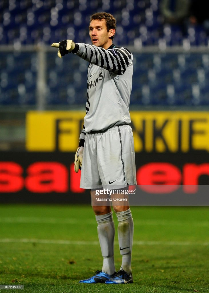 Goalkeeper <a gi-track='captionPersonalityLinkClicked' href=/galleries/search?phrase=Andreas+Isaksson&family=editorial&specificpeople=542896 ng-click='$event.stopPropagation()'>Andreas Isaksson</a> of PSV Eindhoven signals during the UEFA Europa League Group I match between Sampdoria and PSV Eindhoven at Stadio Luigi Ferraris on December 1, 2010 in Genoa, Italy.