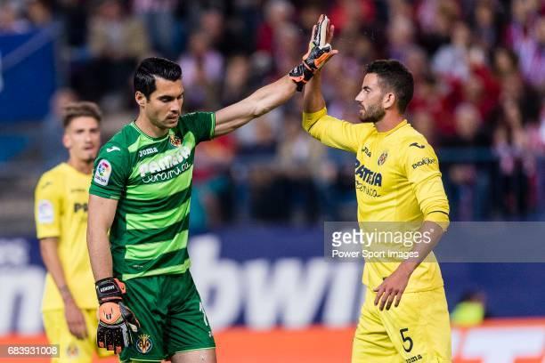 Goalkeeper Andres Fernandez Moreno and Mateo Pablo Musacchio of Villarreal CF during the La Liga match between Atletico de Madrid vs Villarreal CF at...