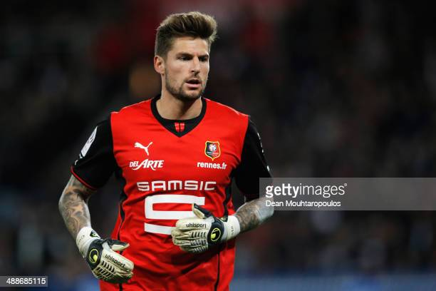 Goalkeeper Benoit Costil of Rennais runs for the ball during the Ligue 1 match between Paris SaintGermain FC and Stade Rennais FC at Parc des Princes...