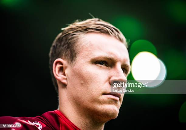 Goalkeeper Bernd Leno of Leverkusen arrives prior to the Bundesliga match between Borussia Moenchengladbach and Bayer 04 Leverkusen at BorussiaPark...