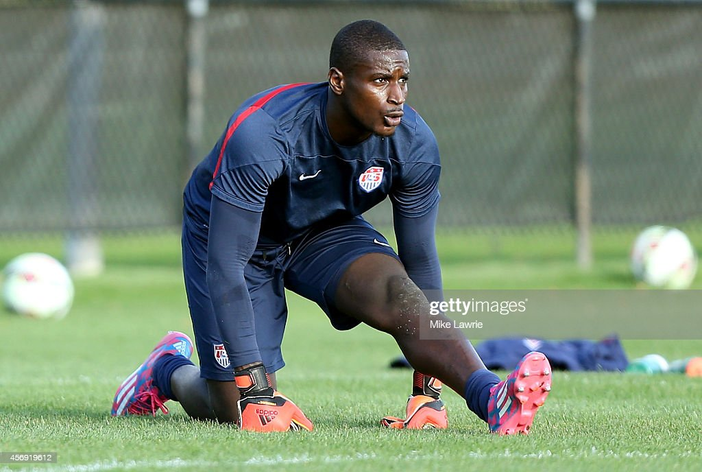 Goalkeeper <a gi-track='captionPersonalityLinkClicked' href=/galleries/search?phrase=Bill+Hamid&family=editorial&specificpeople=4417249 ng-click='$event.stopPropagation()'>Bill Hamid</a> trains during a United States men's soccer training session at Ohiri Field on October 8, 2014 in Boston, Massachusetts.