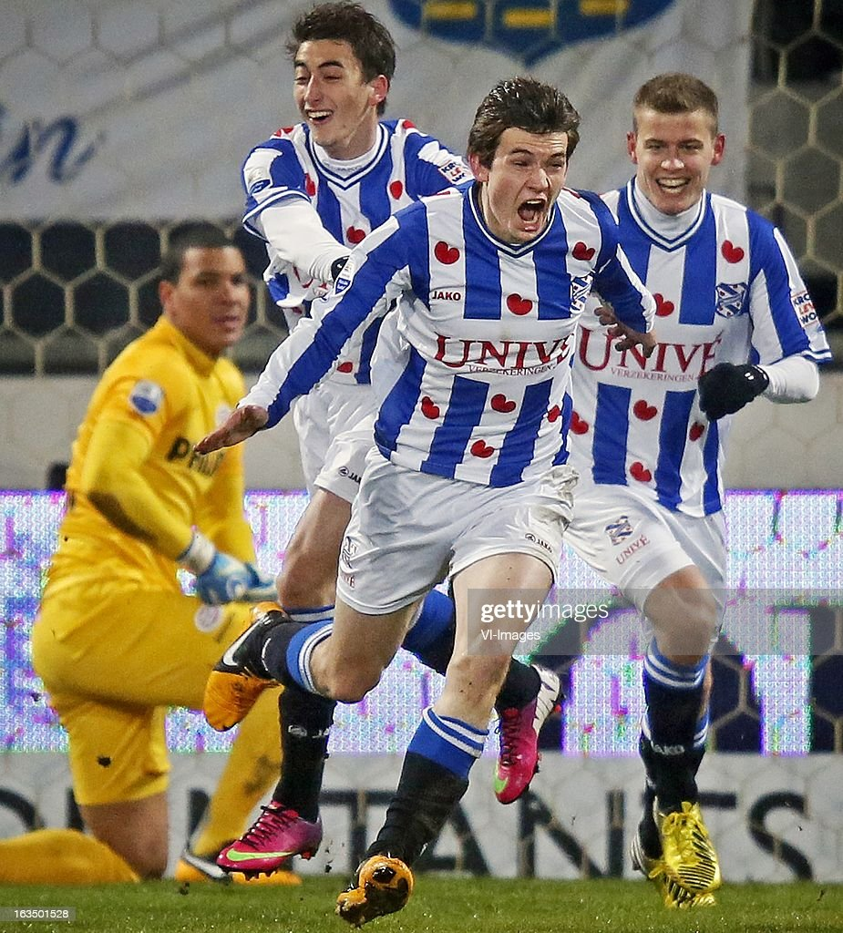 goalkeeper Boy Waterman of PSV, Filip Djuricic of Heerenveen, Marten de Roon of Heerenveen, Alfreo Finnbogason of Heerenveen during the Dutch Eredivisie match between SC Heerenveen and PSV Eindhoven at the Abe Lenstra Stadium on march 09, 2013 in Heerenveen, The Netherlands