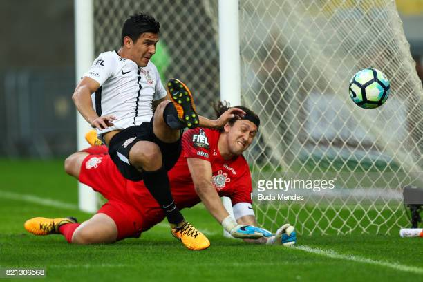 Goalkeeper Cassio and Balbuena of Corinthians defends the ball during a match between Fluminense and Corinthians as part of Brasileirao Series A 2017...