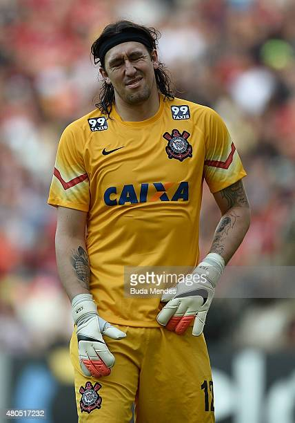 Goalkeeper Cassio of Corinthians hurts during a match between Flamengo and Corinthians as part of Brasileirao Series A 2015 at Maracana Stadium on...