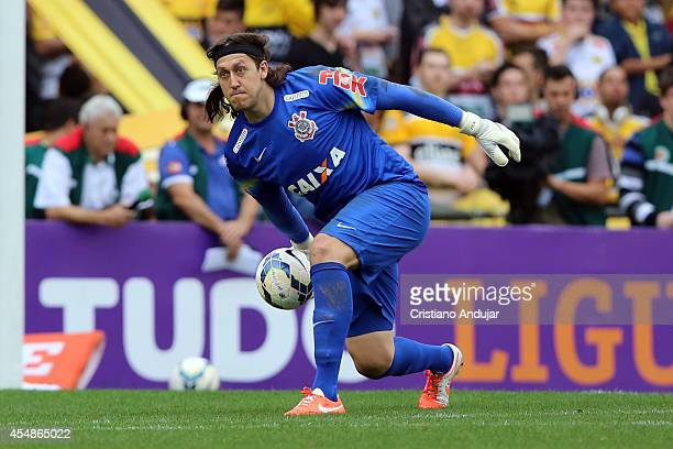Goalkeeper Cassio of Corinthians in action during a match between Criciuma and Corinthians as part of Campeonato Brasileiro 2014 at Heriberto Hulse...