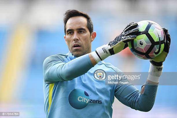 Goalkeeper Claudio Bravo of Manchester City warms up prior tokickoff during the Premier League match between Manchester City and Southampton at...