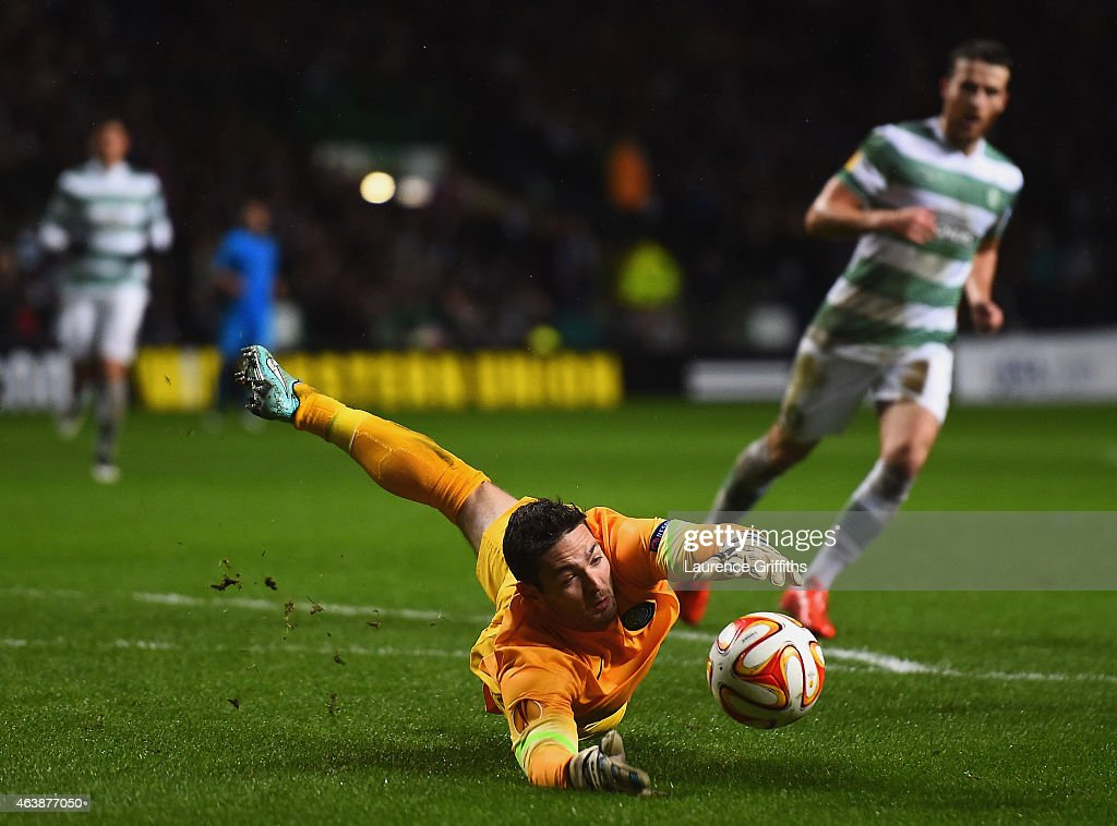 Goalkeeper <a gi-track='captionPersonalityLinkClicked' href=/galleries/search?phrase=Craig+Gordon&family=editorial&specificpeople=861569 ng-click='$event.stopPropagation()'>Craig Gordon</a> of Celtic fails to hold the ball allowing <a gi-track='captionPersonalityLinkClicked' href=/galleries/search?phrase=Rodrigo+Palacio&family=editorial&specificpeople=490993 ng-click='$event.stopPropagation()'>Rodrigo Palacio</a> of Inter Milan (not pictured) to score their third goal during the UEFA Europa League Round of 32 first leg match between Celtic FC and FC Internazionale Milano at Celtic Park Stadium on February 19, 2015 in Glasgow, United Kingdom.