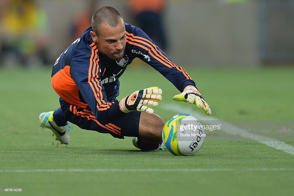 Goalkeeper <a gi-track='captionPersonalityLinkClicked' href=/galleries/search?phrase=Diego+Cavalieri&family=editorial&specificpeople=5441023 ng-click='$event.stopPropagation()'>Diego Cavalieri</a> of Fluminense in action during a match between Flamengo and Fluminense as part of Carioca 2014 at Maracana Stadium on February 08, 2014 in Rio de Janeiro, Brazil.