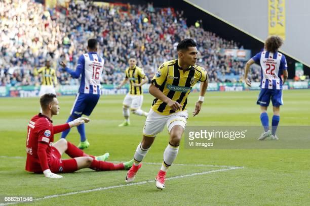 goalkeeper Erwin Mulder of sc Heerenveen Jerry St Juste of sc Heerenveen Milot Rashica of Vitesse Navarone Foor of Vitesse Wout Faes of sc...