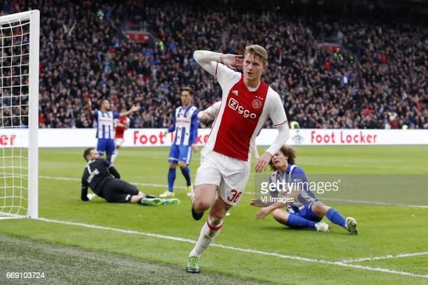 goalkeeper Erwin Mulder of sc Heerenveen Lucas Bijker of sc Heerenveen Yuki Kobayashi of sc Heerenveen Matthijs de Ligt of Ajax Wout Faes of sc...
