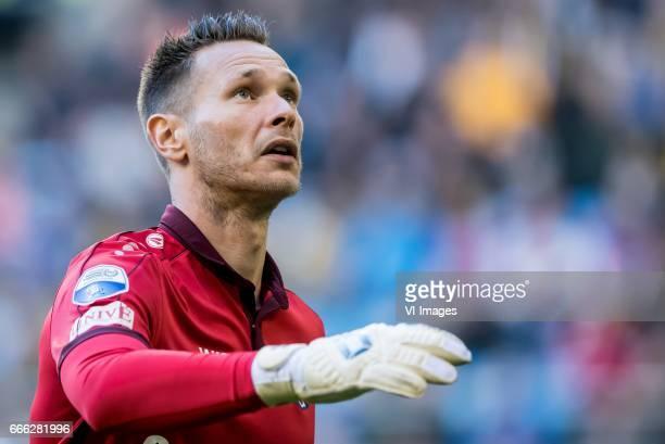 goalkeeper Erwin Mulder of sc Heerenveenduring the Dutch Eredivisie match between Vitesse Arnhem and sc Heerenveen at Gelredome on April 08 2017 in...