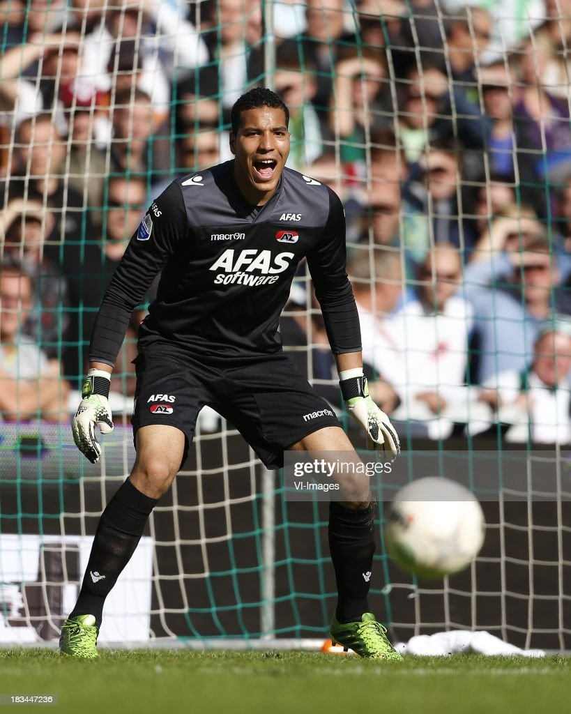 Goalkeeper Esteban of AZ during the Dutch Eredivisie match between FC Groningen and AZ Alkmaar at De Euroborg on Oktober 6, 2013 in Groningen, The Netherlands