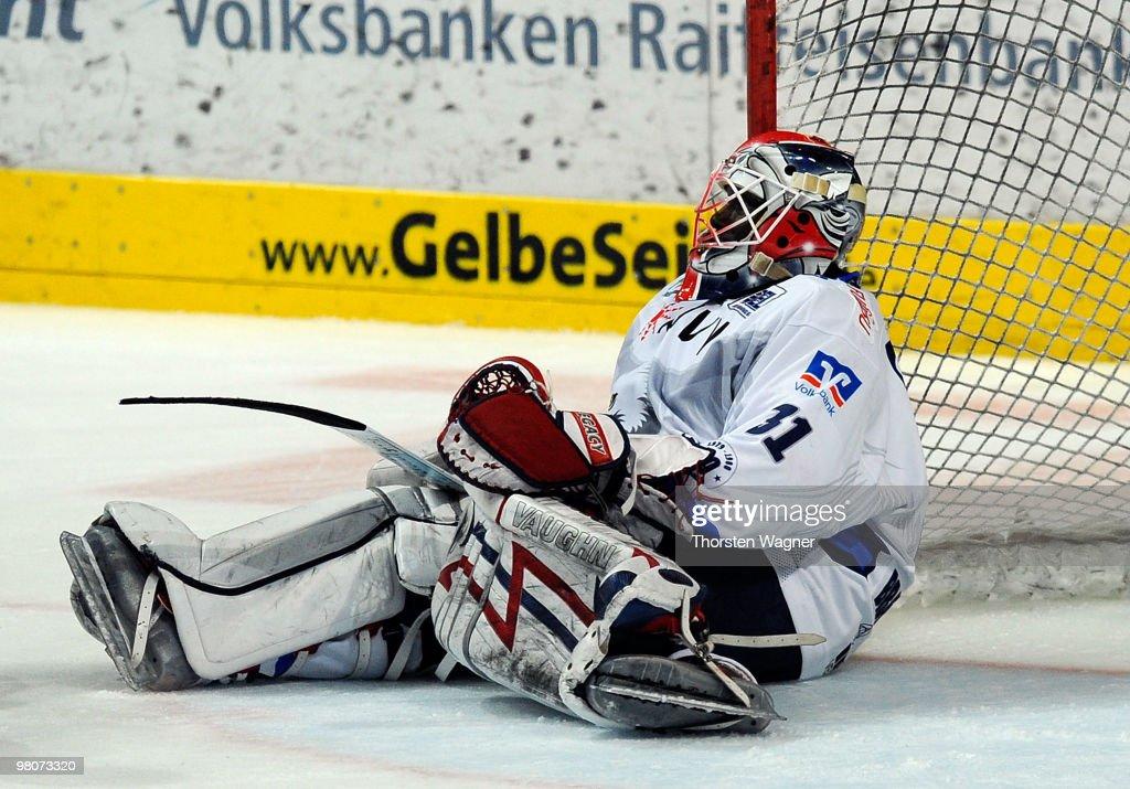 Adler Mannheim v ERC Augsburg - DEL Play-Off
