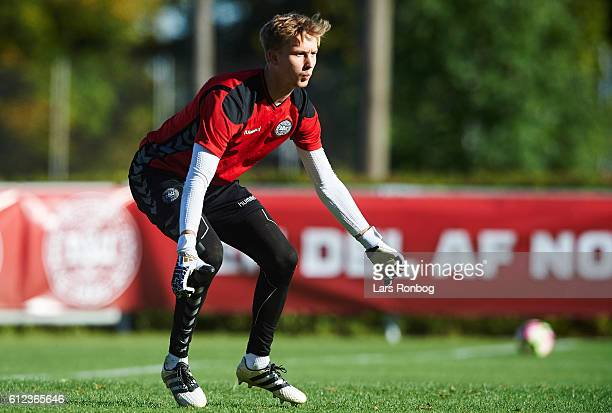Goalkeeper Frederik Rønnow in action during the Denmark training session at Helsingor Stadion on October 4 2016 in Helsingor Denmark