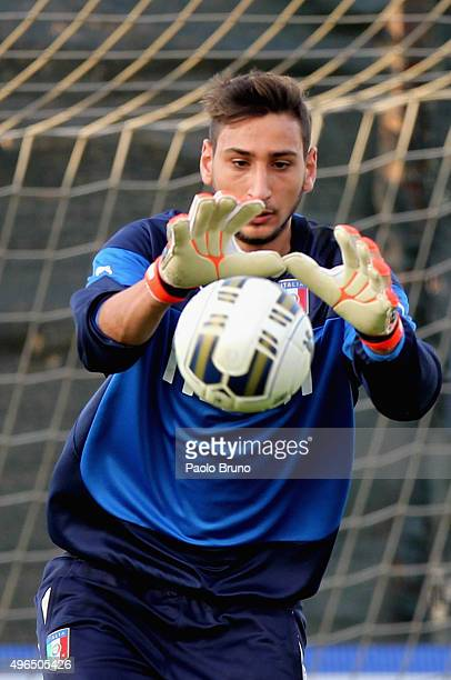 U21 goalkeeper Gianluigi Donnarumma in action during the Italy U21 training session at the Mancini sports center on November 10 2015 in Rome Italy