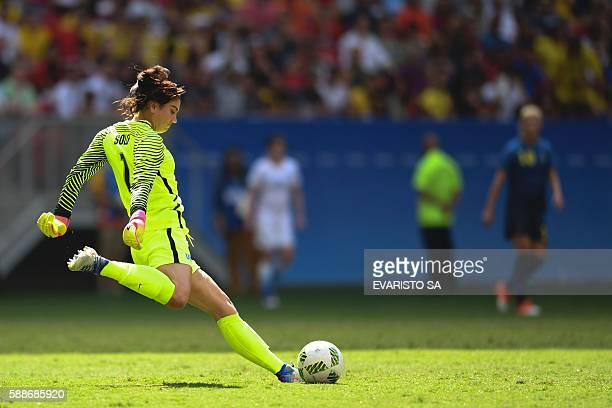 US goalkeeper Hope Solo prepares to kick the ball during the Rio 2016 Olympic Games Quarterfinals women's football match USA vs Sweden at the Mane...